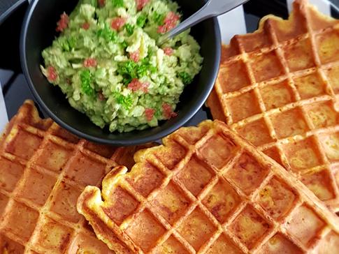Gaufres_au_potimarron_et_son_guacamole_au_citron_caviar_rose_fruitsathome_moncitroncaviar.com_03