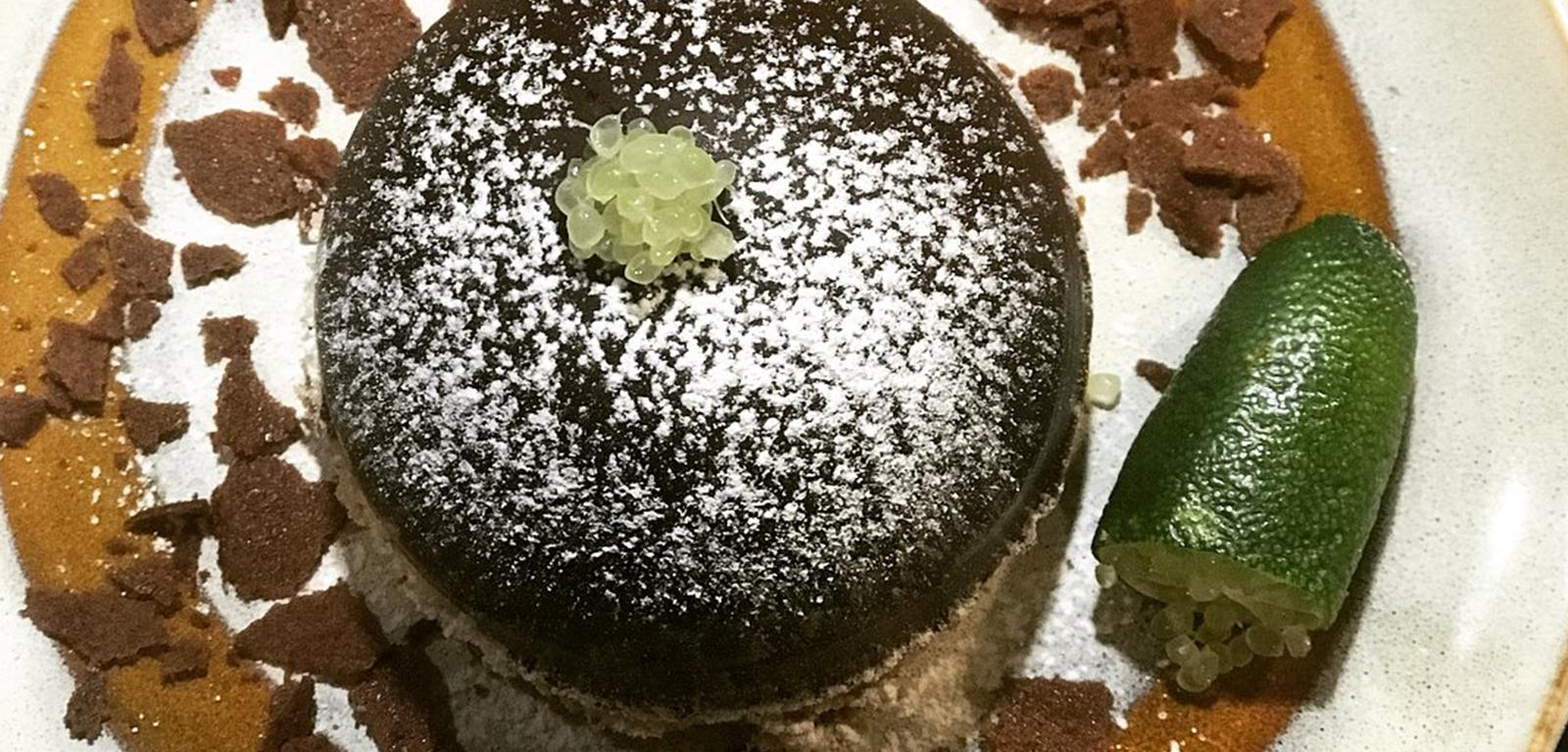 Dessert : Coque chocolat surprise et Citron Caviar