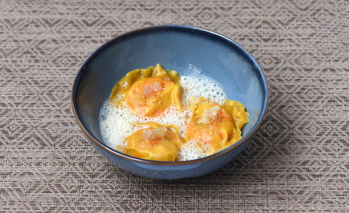 Ravioles de Gambas au Citron Caviar et son bouillon