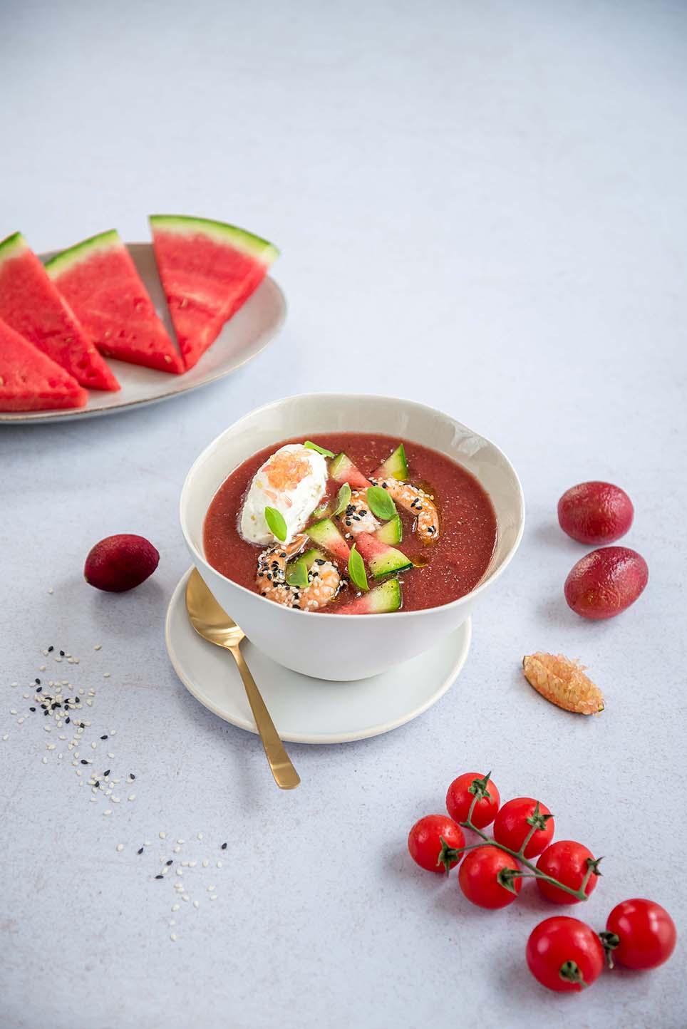 Gazpacho-pasteque-tomates-gambas-et-chantilly-Blood-lime_moncitroncaviar.com_fruits_at_home
