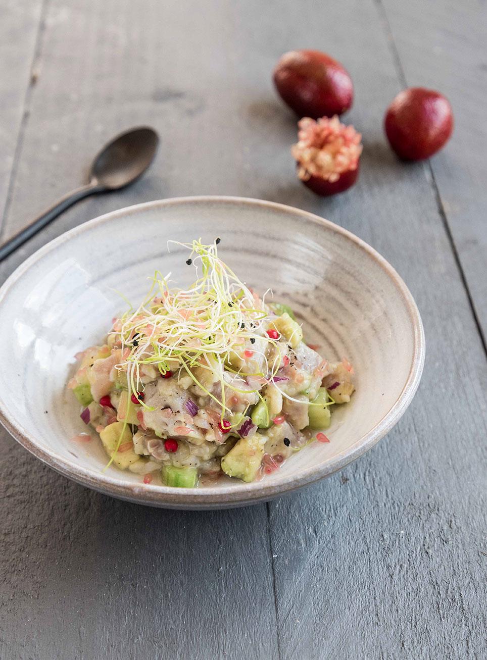 tartare-de-daurade-aux-agrumes-blood-lime-et-vanille_moncitroncaviar.com_fruits_at_home