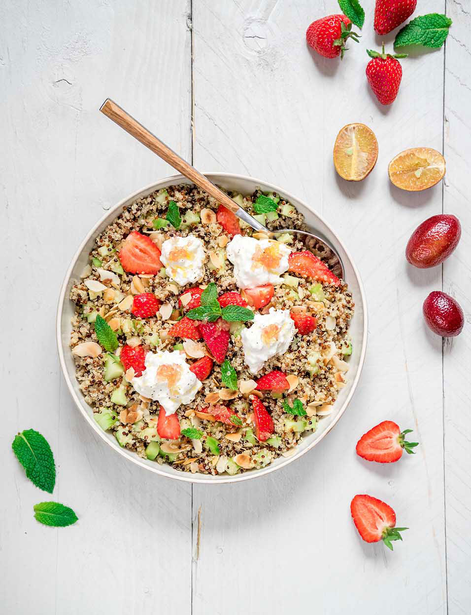 Salade_de_quinoa_fraises_burrata_Blood_lime_moncitroncaviar.com_fruits_at_home