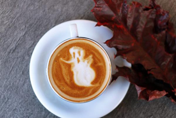 Halloween - 5 infos qui pourraient bien vous surprendre…toa-heftiba-ZWKNDOjwito-unsplash
