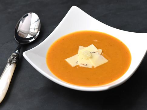 Veloute_de_Butternut_au_curry,_citron_caviar_sur_copeau_de_gouda_truffe_moncitroncavir.com_fruitsathome_03