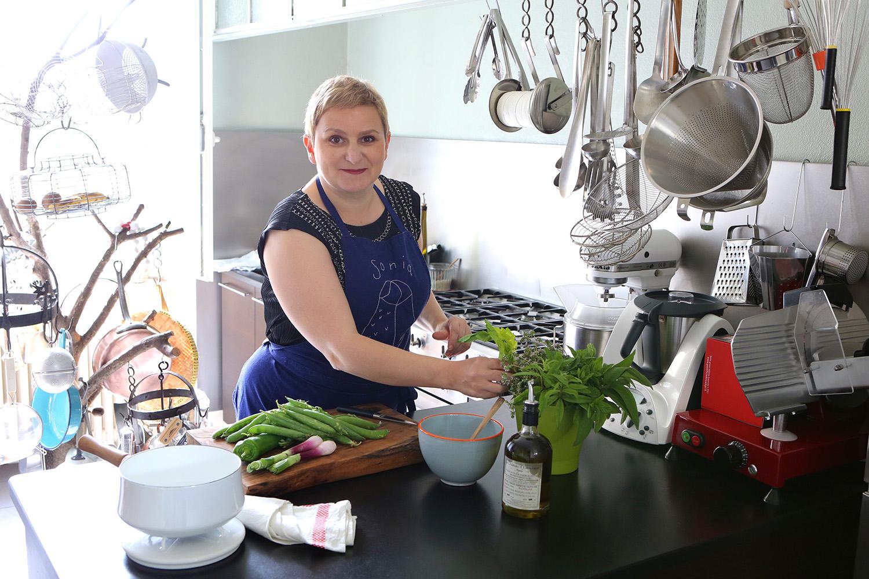sonia-dans-sa-cuisine-La-fee-de-lanti-gaspi-s-invite-dans-vos-cuisines-sonia-ezgulian-fruits-at-home