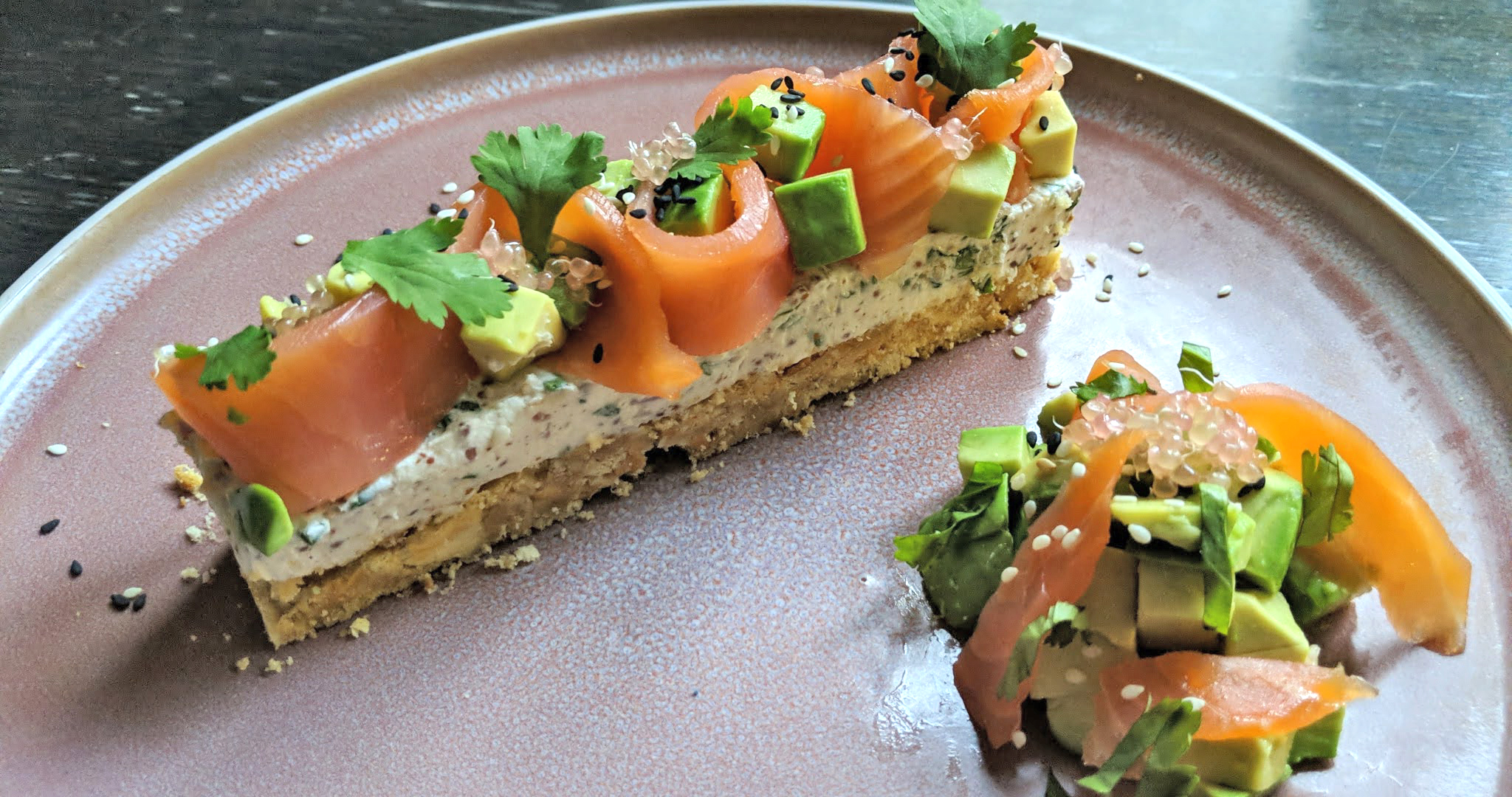 Cheesecake façon avocado toast saumon et citron caviar